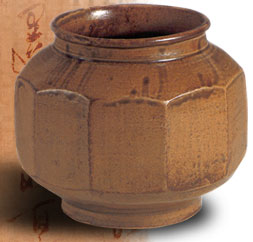 a history of earthenware in korea Silla was the smallest and weakest of the three kingdoms of korea at the same time the production centers for pottery became highly a new history of korea.
