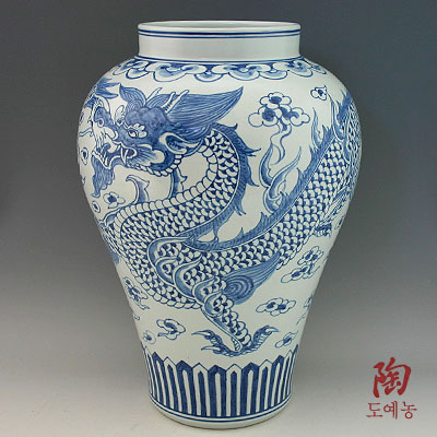 Blue And White Porcelain Dragon Jar Of Korea Antique Alive