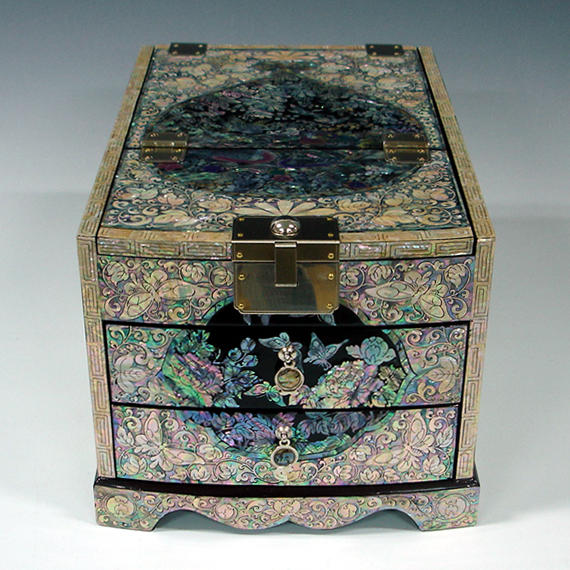 Mother of Pearl Lacquered Mirror Jewelry Box Inlaid with Flower and