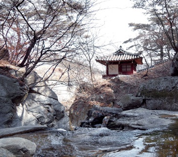 Hanok pavilion at stream in Taebaeksan Mountain